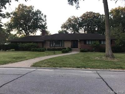 Dearborn MI Single Family Home Pending: $699,900