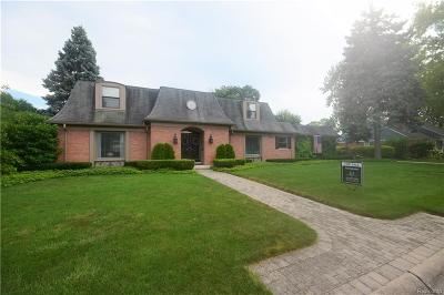 Grosse Pointe Shores Vlg MI Single Family Home For Sale: $480,000