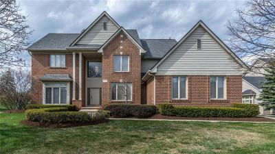 West Bloomfield, West Bloomfield Twp Single Family Home For Sale: 4678 Maple Creek Court