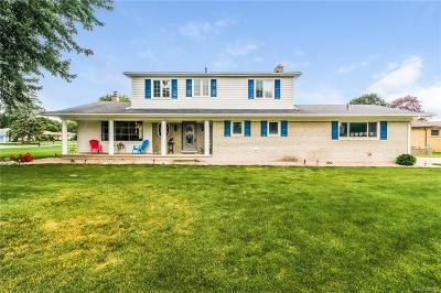 Shelby Twp MI Single Family Home For Sale: $299,900