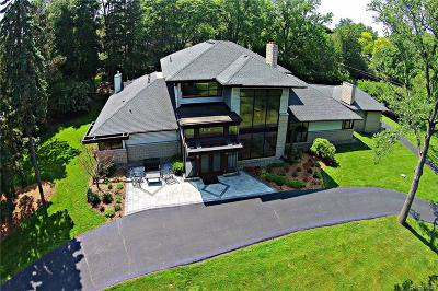 Bloomfield Twp Single Family Home For Sale: 7106 Old Mill Road
