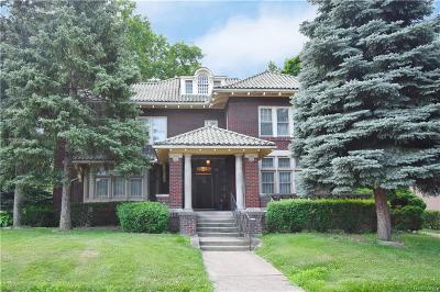 Detroit Single Family Home For Sale: 801 Chicago Boulevard