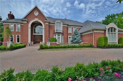 Bloomfield Twp Single Family Home For Sale: 2368 Heronwood Drive