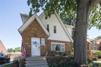 Allen Park Single Family Home Contingent - Continue To Show: 15404 Garfield Avenue