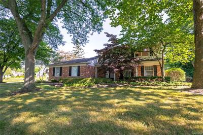 Bloomfield Twp Single Family Home For Sale: 319 Millington Boulevard