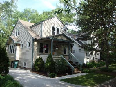Royal Oak Single Family Home For Sale: 125 Hilldale Drive