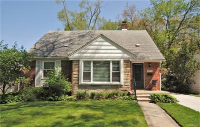 Huntington Woods Single Family Home For Sale: 10544 Elgin Avenue