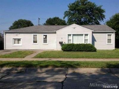 Macomb County Single Family Home For Sale: 27115 Baldwin Avenue