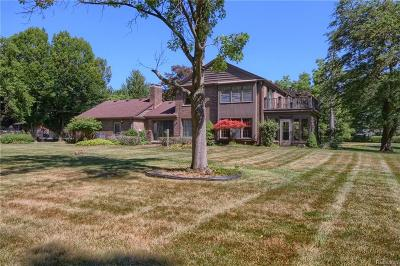 Allen Park, Lincoln Park, Southgate, Wyandotte, Taylor, Riverview, Brownstown Twp, Trenton, Woodhaven, Rockwood, Flat Rock, Grosse Ile Twp, Dearborn, Gibraltar Single Family Home For Sale: 7575 Horsemill Road