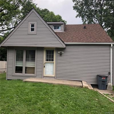 Farmington Hills Single Family Home For Sale: 21455 Averhill Street