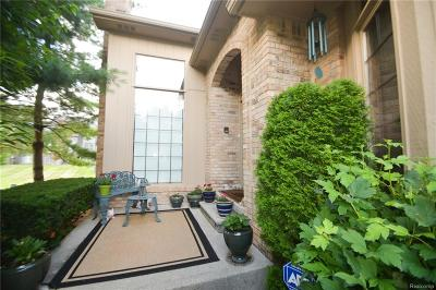Shelby Twp Condo/Townhouse For Sale: 2225 Juniper Court