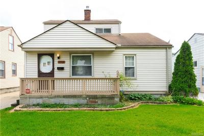 Hazel Park Single Family Home For Sale: 1482 E Bernhard Avenue
