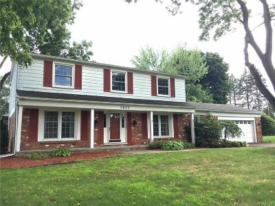 Bloomfield Twp MI Single Family Home For Sale: $489,000