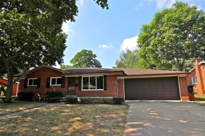 Livonia Single Family Home For Sale: 36249 Lawrence Drive