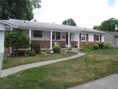Livonia Single Family Home For Sale: 29552 Linda Street