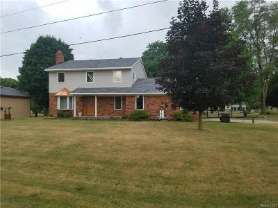 White Lake, White Lake Twp Single Family Home For Sale: 2435 Northfield