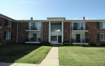 Bloomfield Twp Condo/Townhouse For Sale: 500 Fox Hills Drive N #8