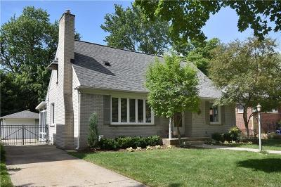 Royal Oak Single Family Home For Sale: 1316 Lyons Avenue