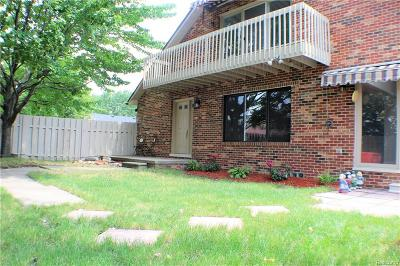 Clinton Twp Condo/Townhouse For Sale: 42705 Jonathan Place