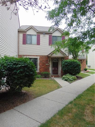 Rochester Hills Condo/Townhouse For Sale: 1559 Streamwood Court