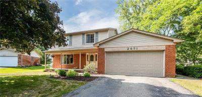 Lake Orion, Orion Twp, Orion Single Family Home For Sale: 2671 Wareing Cove