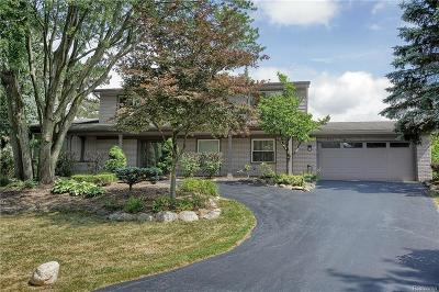 Bloomfield, Bloomfield Hills, Bloomfield Twp, West Bloomfield, West Bloomfield Twp Single Family Home For Sale: 3505 Valleyview Court