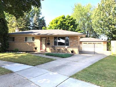 Warren Single Family Home For Sale: 32059 Eiffel Court