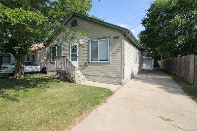 Clinton Twp Single Family Home For Sale: 21125 Woodward Street