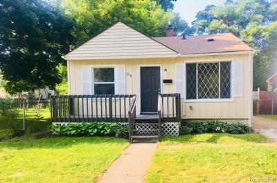 Hazel Park Single Family Home For Sale: 1210 E Madge Avenue N