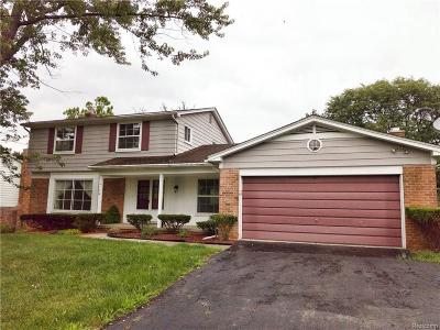 BLOOMFIELD Single Family Home For Sale: 4776 Walnut Lake Road