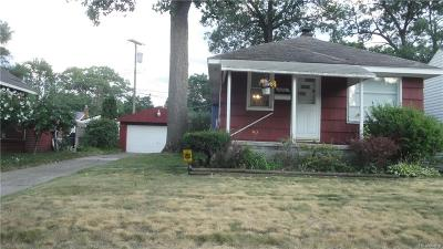 Oak Park Single Family Home For Sale: 8479 Yale Street
