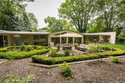 Bloomfield Twp Single Family Home For Sale: 3788 Crestlake Drive