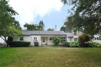 Bloomfield Twp Single Family Home For Sale: 6370 W Surrey Road
