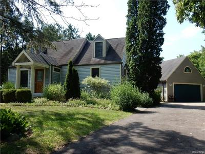 Livonia Single Family Home For Sale: 30115 Munger Drive