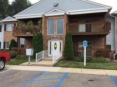 Trenton Condo/Townhouse For Sale: 1555 Harbour Boulevard #191