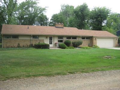 Grosse Ile Twp Single Family Home For Sale: 9250 Byromar Lane