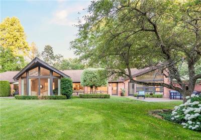 Bloomfield Twp Single Family Home For Sale: 295 Harrow Circle