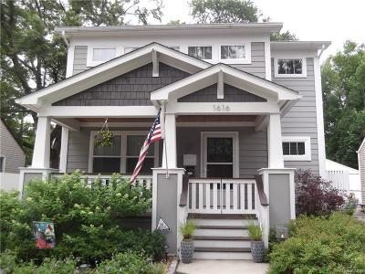 Royal Oak Single Family Home For Sale: 1616 Maxwell Avenue