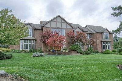Bloomfield Twp Single Family Home For Sale: 3386 Indian Summer Drive