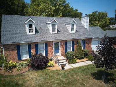 Rochester Hills Single Family Home For Sale: 300 Old Perch Road