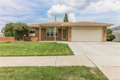Woodhaven Single Family Home For Sale: 23087 Fairway Drive