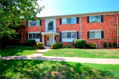 Bloomfield Hills Condo/Townhouse For Sale: 1733 Huntingwood Lane #D