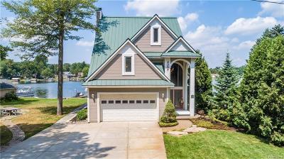 Brandon Twp Single Family Home For Sale: 2257 N Island Drive