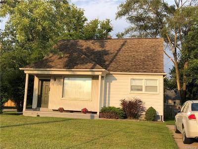 Farmington Single Family Home For Sale: 23272 Orchard Lake Road