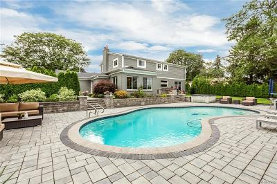 Bloomfield Twp Single Family Home For Sale: 6681 Woodbank Drive