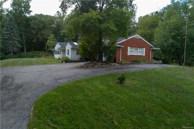 Bloomfield Twp Single Family Home For Sale: 1455 Lone Pine Road