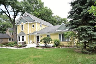 West Bloomfield Twp Single Family Home For Sale: 2461 Burleigh Street