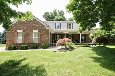 West Bloomfield Single Family Home For Sale: 5674 Belmont Circle
