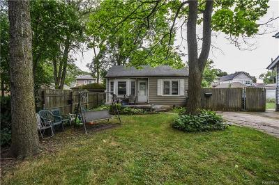 Royal Oak Single Family Home For Sale: 3343 Garden Avenue