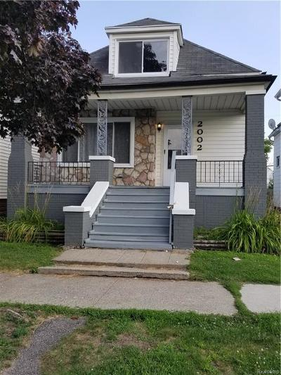 Hamtramck Single Family Home For Sale: 2002 Yemans Street